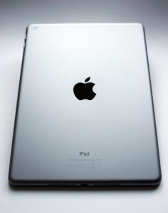 Apple iPad 2017 mieten Ansicht hinten