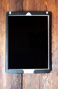 Apple iPad Pro 12.9 2. Generation mit Schutzhuelle mieten Ansicht oben