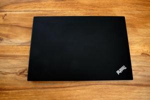 Lenovo_Thinkpad_E595_Notebook_mieten_Ansicht_oben