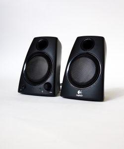 Logitech z130 Stereo Lautsprecher mieten Ansicht front